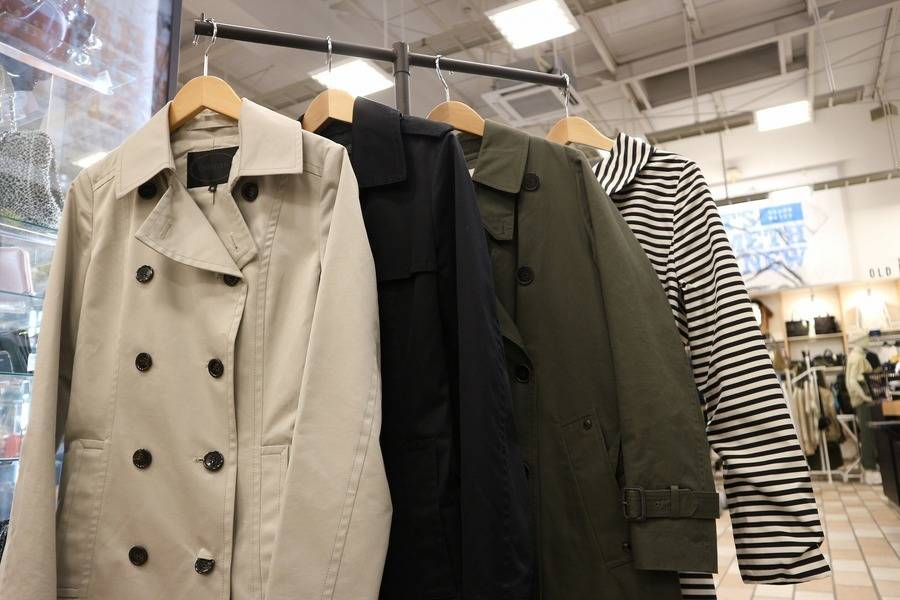 UNTITLED、TO BE CHIC...トレンチコート展開開始!!