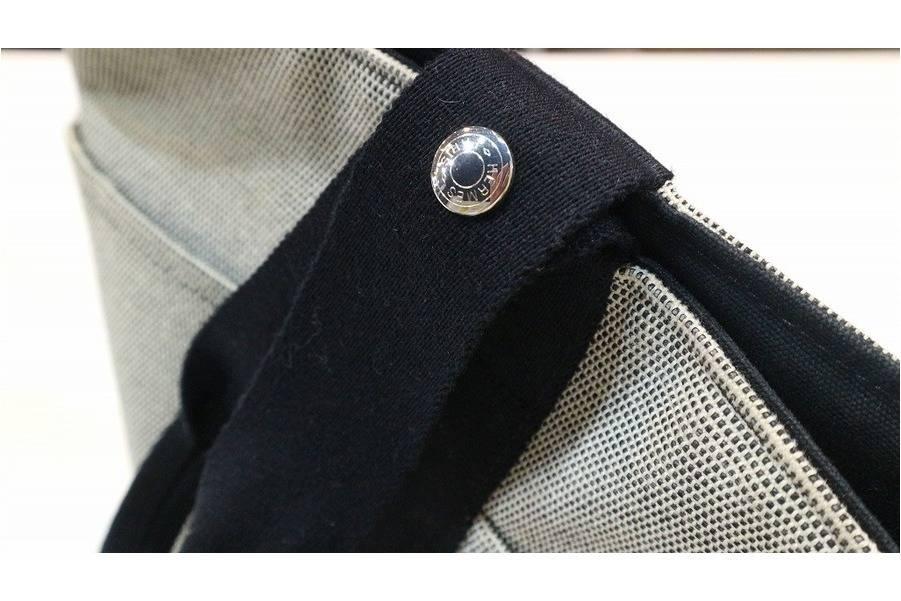 HERMES/エルメスのカジュアルデザインバッグ。サクソーMM入荷です!
