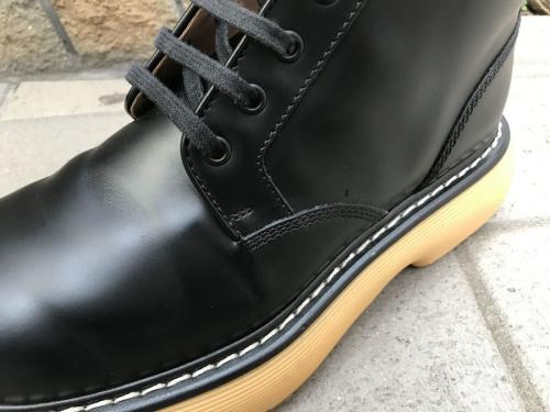 ボッテガベネタのブーツ