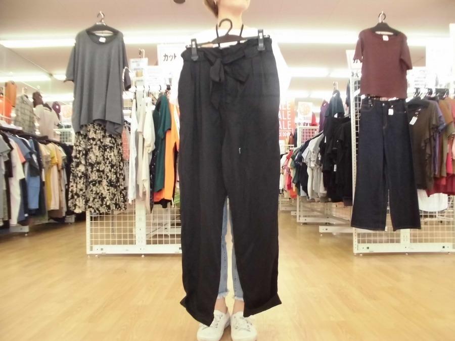 激安古着屋のパンツ スカート