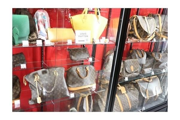 岸和田店よりお約束!!どんなものでも最低1,000円以上のお支払い!!ルイヴィトン・シャネルのバッグ