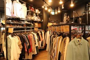 憧れの百貨店ブランドもトレファクスタイル市川店ならお手頃な価格で手に入ります。