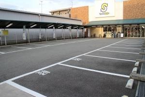 ◆広々駐車場完備!!!