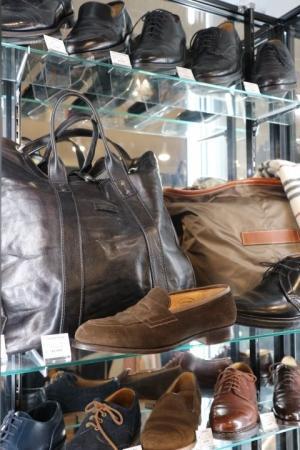 一生物のブランド革靴が、圧倒的厳選ラインナップの中から選べます