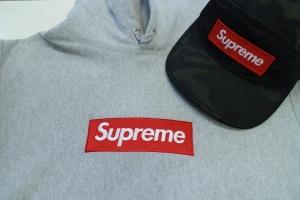 """ストリートの定番""""Supreme"""""""